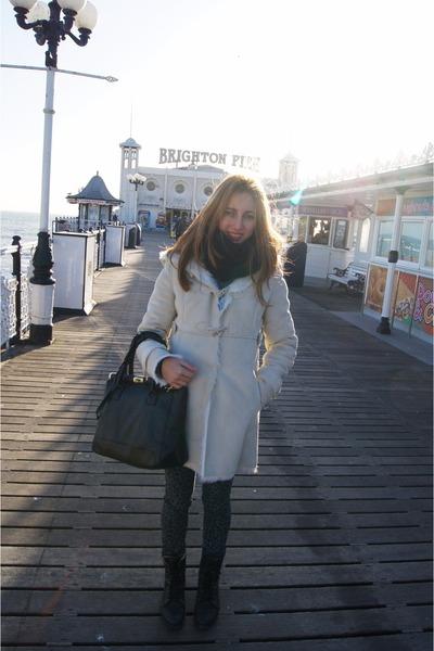 white BLANCO coat - dark gray Mustang boots - gray leopard print Primark jeans