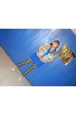blue Catalina dress - white Victorias Secret top - black Urban Outfitters leggin