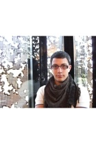 Zara shirt - H&M scarf - Paco Rabanne glasses