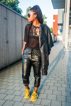 Vero Moda jacket - Urban Outfitters shirt - Fornarina pants - SIX accessories