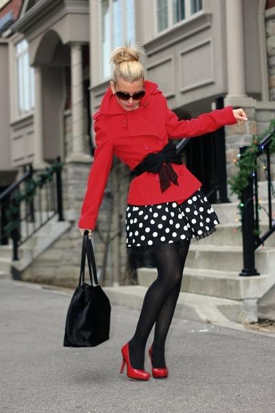 Happening coat - Guess shoes - DKNY bag - suzy skirt - H&M belt