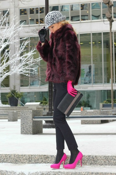 Gap gloves - Aldo shoes - Miss Sixty coat - Old Navy hat - H&M bag - Gap pants