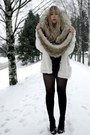 Tan-monki-scarf-white-bik-bok-cardigan