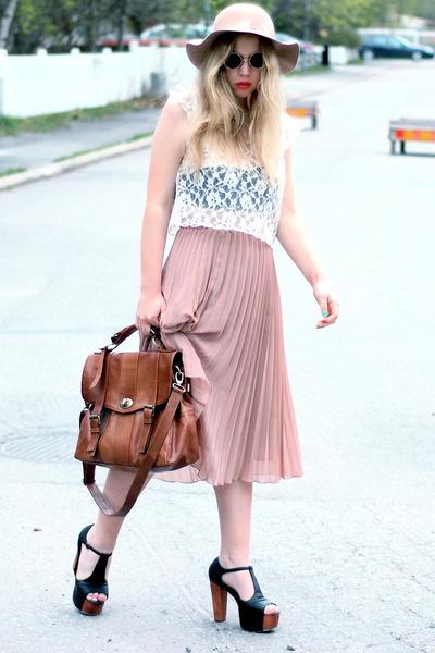 black lennon 80s Purple sunglasses - light pink pleated Monki skirt - white lace