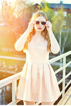 black giantvintage sunglasses - light pink pearl pink JollyChic dress