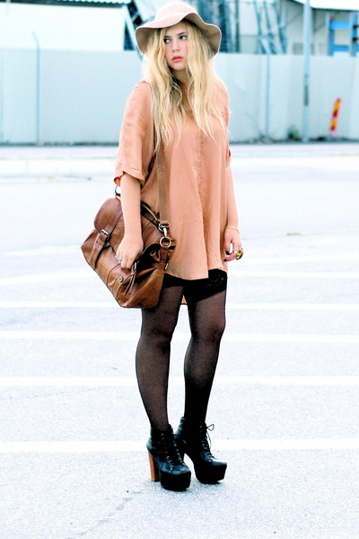 bronze moms shirt - black Jeffrey Campbell shoes - beige Monki hat