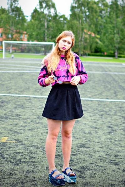 hot pink tie dye Motel Rocks sweater - black Monki skirt