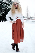 burnt orange maxi Monki dress - white beret H&M hat - white knitted moms sweater