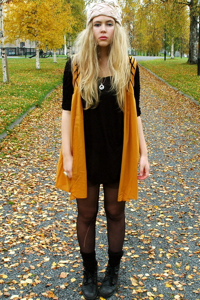 orange Monki vest - black H&M blouse - pink BikBok hat - black second hand boots