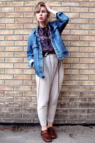 brown loafers second hand shoes - blue denim Levis jacket