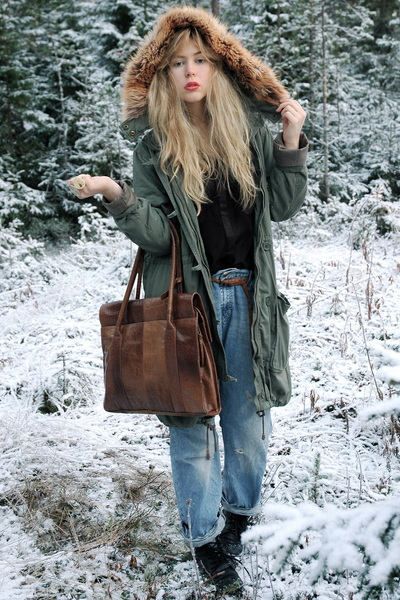 light blue boyfriend H&M jeans - army green parka H&M jacket