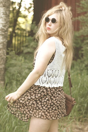 white crochet vintage vest