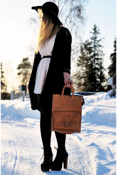 neutral moms vintage bag - white lace Monki dress - black floppy vintage hat