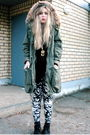 Green-h-m-jacket-black-monki-shirt-white-h-m-leggings-black-second-hand-bo