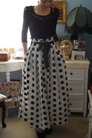polka dot skirt - lace top