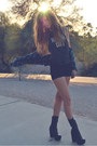 Navy-flannel-urban-outfitters-shirt-black-detention-jeffrey-campbell-boots