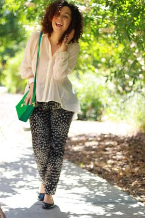 cream Audrey 31 blouse - green Forever 21 bag - black calvin klein flats