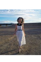 white vintage dress - black belt - black Amberie necklace - black shoes - red vi