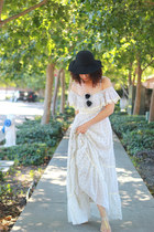 vintage dress Gunne Sax dress - vintage hat vintage hat - Amberie sunglasses