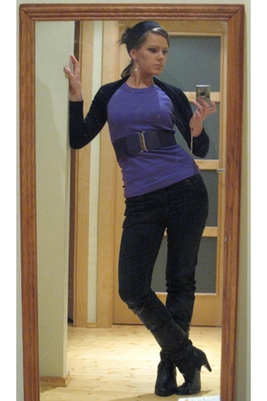 purple t-shirt - black top - purple belt - black jeans - black boots - black acc