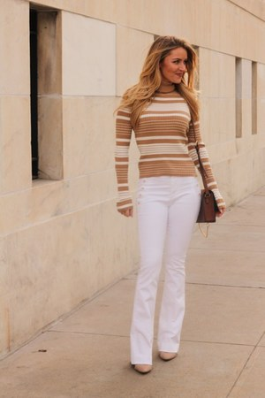 white cotton banana republic pants - tan suede Steve Madden shoes