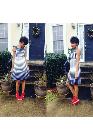 blue Forever 21 dress - red H&M heels