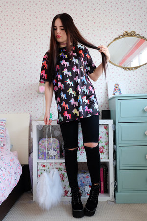 black unicorn The Yub t-shirt - black platform Jeffrey Campbell boots