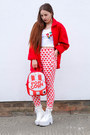 Red-heart-topshop-jeans-red-backpack-urban-junk-bag-white-crop-primark-top