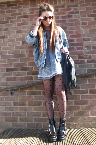 charcoal gray denim jacket Boohoo jacket - black leather Topshop boots