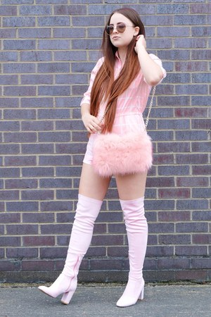 light pink fluffy IN THE STYLE bag - light pink thigh high Public desire boots