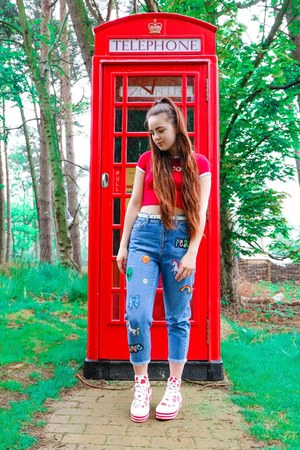 red ringer Omighty top - red platform Converse sneakers