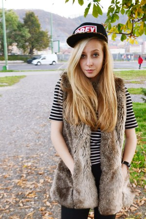 animal print obey hat - black Zara jeans - faux fur Bershka vest