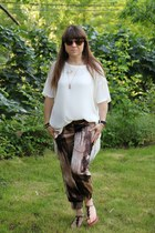 asymmetrical Leith shirt - cat eye Oliver Peoples sunglasses - baggy Guess pants