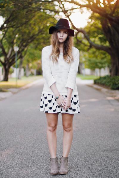 beige beginning boutique boots - cat print pepa loves dress