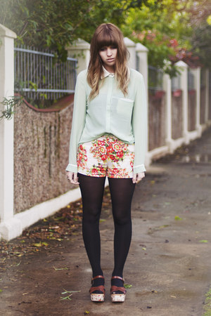 floral beginning boutique shorts - mint romwe shirt