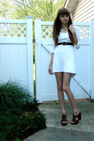 gold accessories - white dress - brown belt - brown shoes