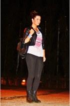 backpack BLANCO bag - black c&a boots - black motard jacket