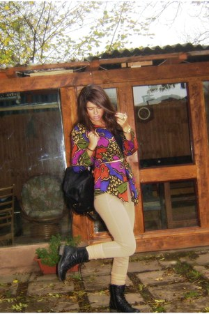 colorful vintage blouse