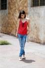 Blue-denim-pull-bear-jeans-white-crossbody-bag-topshop-bag-white-zara-heels