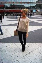 camel sweater - black boots - black jeans - camel purse
