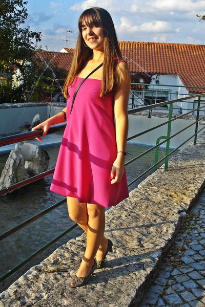 charcoal gray shoes - hot pink dress - heather gray bracelet