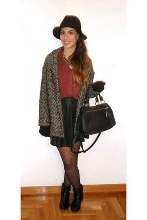 Primark boots - pull&bear coat - Parfois hat - Primark bag - Stradivarius skirt