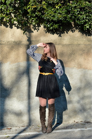 black embroidered Boohoo dress - gingham zaful blouse - yellow H&M belt