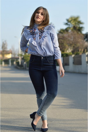 navy Zara shoes - navy high waisted Stradivarius jeans