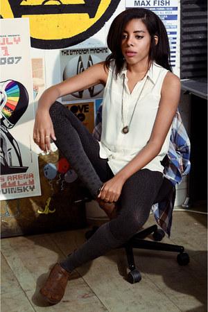 Matisse boots - Forever 21 leggings - Target socks - merona top