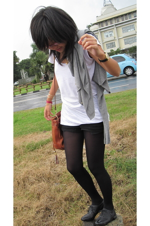 H&M t-shirt - H&M shorts - DIM tights - Jonak shoes
