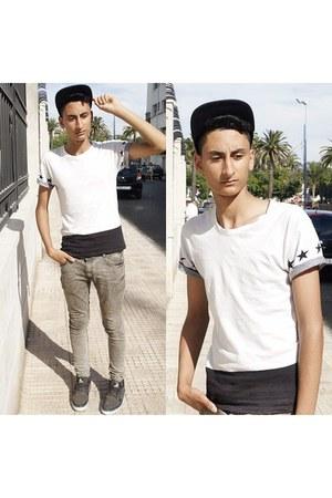 t-shirt - zara jeans jeans - hm cap hat - coq sportif sneakers