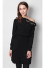 Black-bare-shoulder-silvian-heach-dress