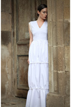 white wwwletthemstarecom dress
