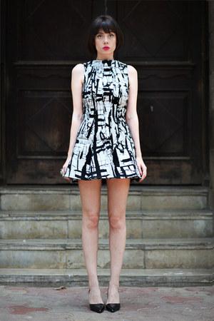 black wwwletthemstarecom dress